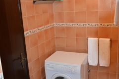 Main Shower Room 4